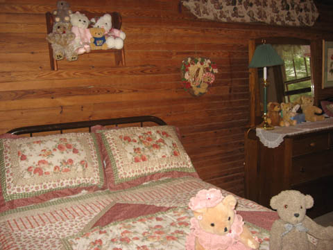 The Teddy Bear Room - Click Image to Close